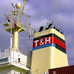 Cheminée porte-conteneurs T & H